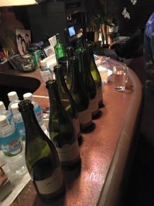シャンパンを飲み干した竹井佑介