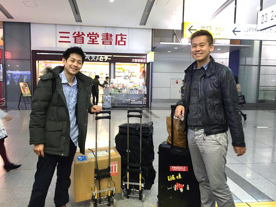 熊本へ向けて出発する竹井と拓
