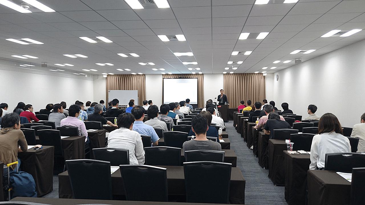 FXミリオネアアカデミーの「2016年6月からの相場攻略セミナー」で講義する竹井佑介