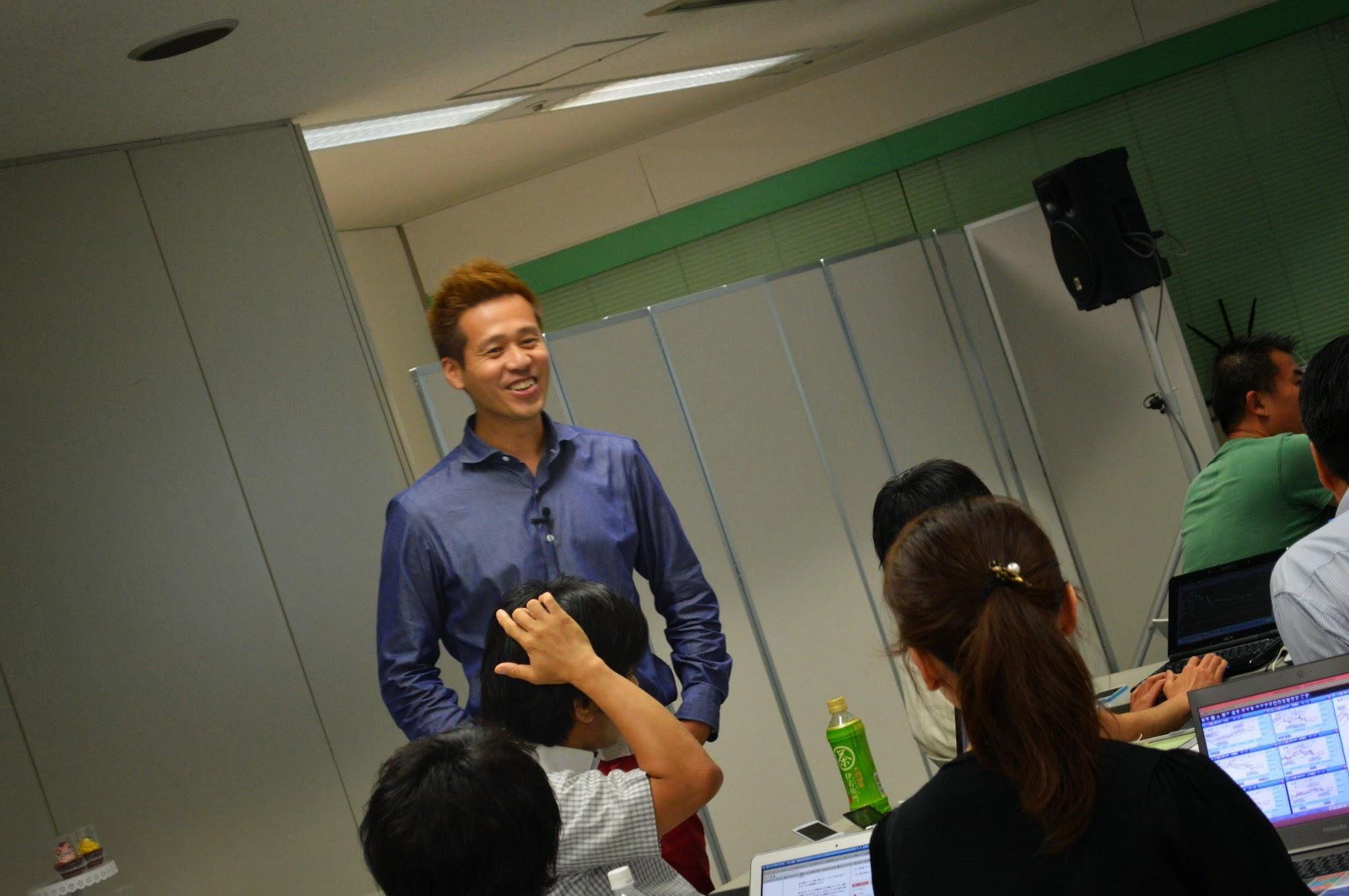 ライブトレードでFXを教える竹井佑介