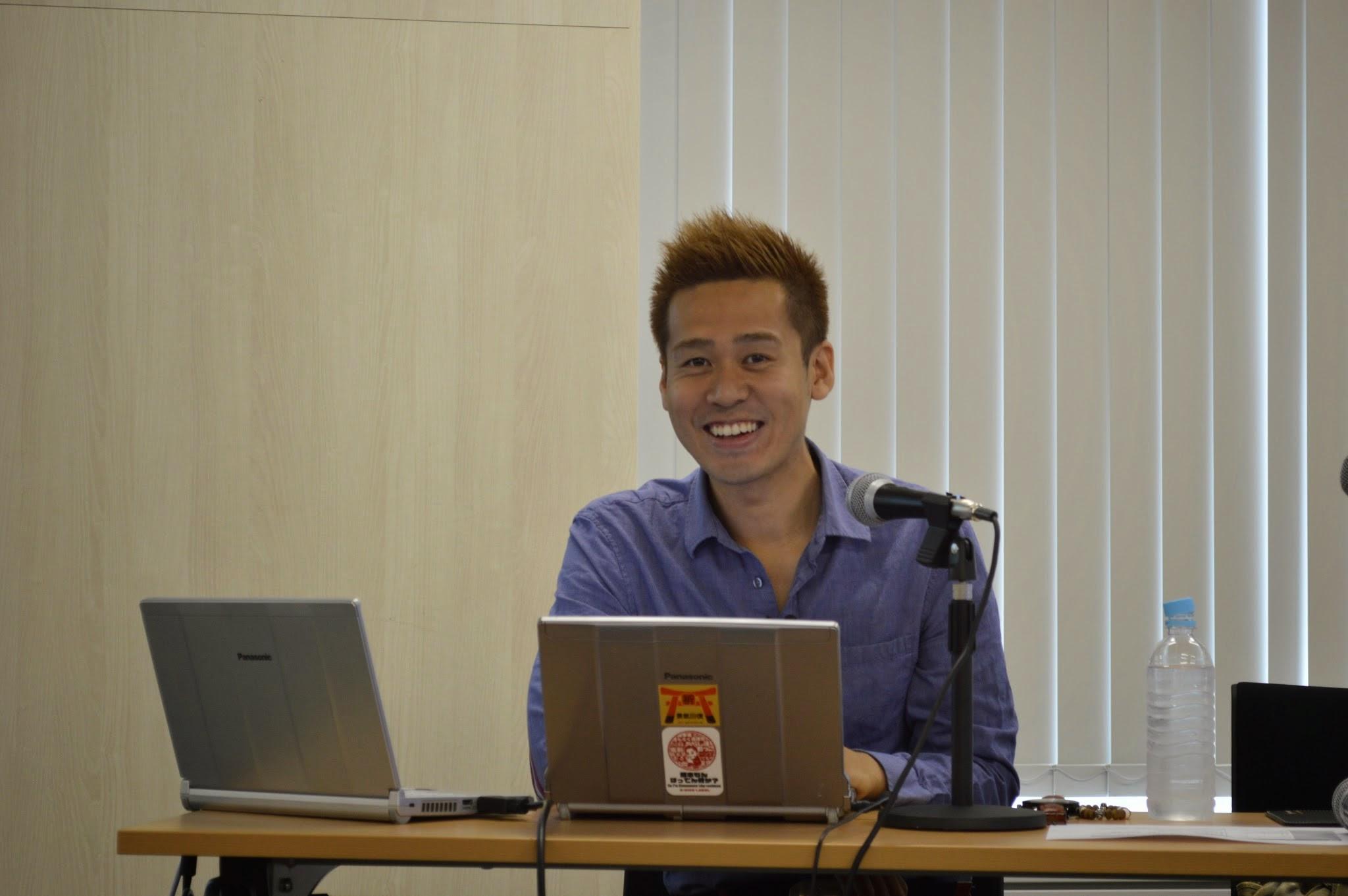 ライブトレードでFXを教える講師の竹井佑介