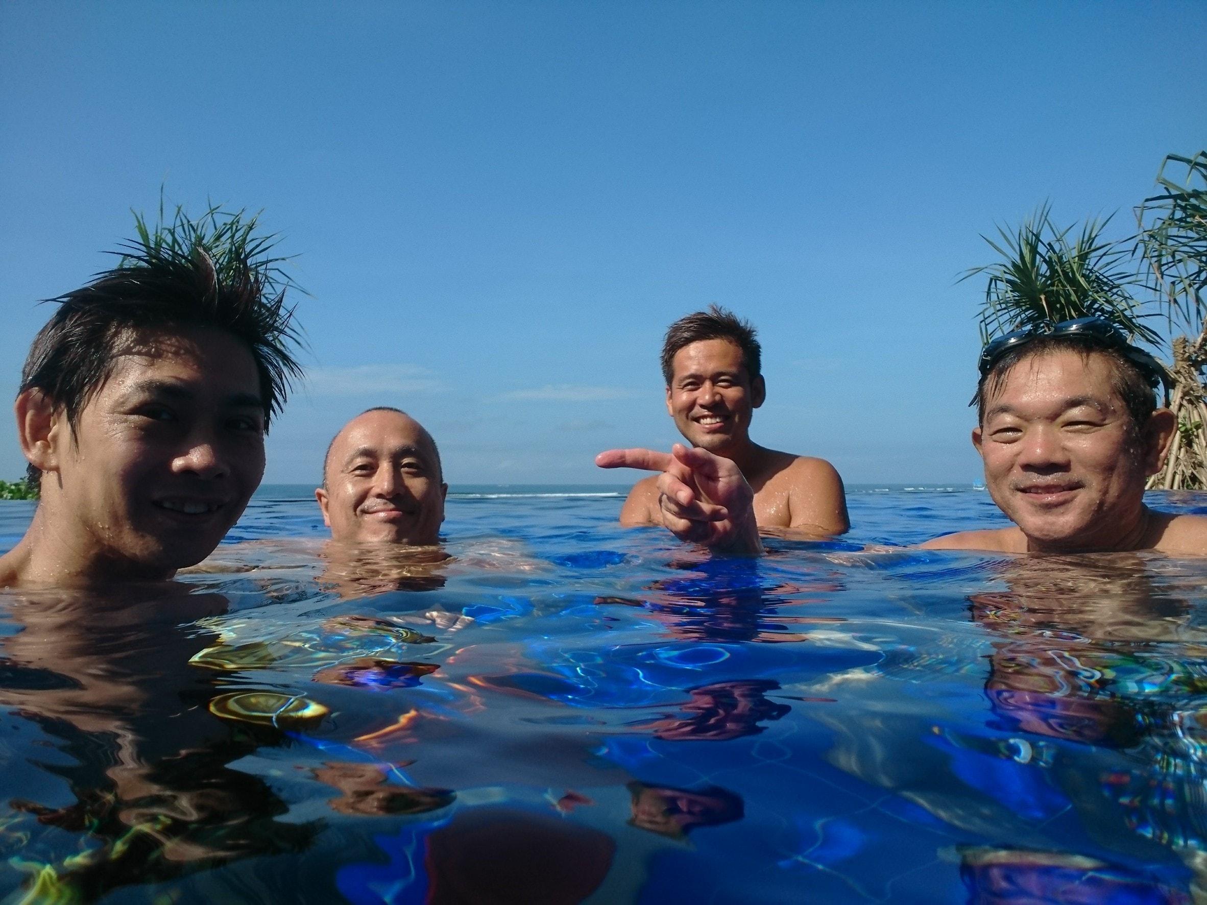 バリ島エイトリゾートのプール